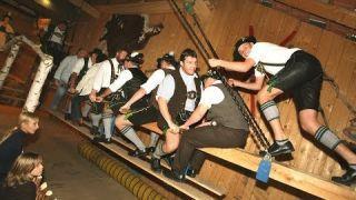 Kirchweih-Bräuche in Bayern: Hutschn oder Kirwabam? | BR