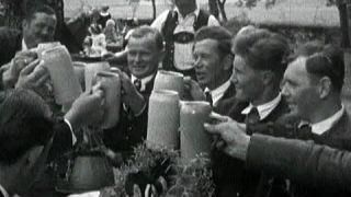 Pfingstbräuche damals: Tanz, Fronleichnachsprozession und Ritterspiele | Unser Land | BR Fernsehen